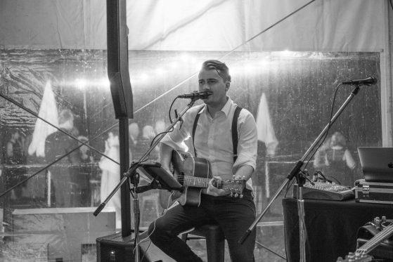 Quenel Mott Wedding Singer Gold Coast Brisbane Noosa Toowoomba.jpg